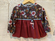 Load image into Gallery viewer, French Preloved Beautiful Baby Tunic Sparkly Sweeties 18 Months
