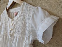 Load image into Gallery viewer, Vintage Girl's Preloved Shirt French White Blouse Wedding 5-6 Years