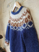 Load image into Gallery viewer, Wonderful Hand Knitted Fairisle Jumper - 5 Years