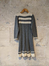 Load image into Gallery viewer, Gorgeous Merino Lambswool Knitted Soft Grey Dress - 6 Years