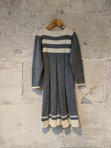 Gorgeous Merino Lambswool Knitted Soft Grey Dress - 6 Years