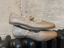 Load image into Gallery viewer, Golden Sparkly Party Shoes - Size 11 / 29