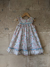 Load image into Gallery viewer, Laura Ashley Wonderful Floaty Floral Dress - 5 Years
