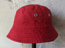 Load image into Gallery viewer, Looney Tunes Vintage Sun Hat Baby Preloved Red 18 Months Tweety Bird