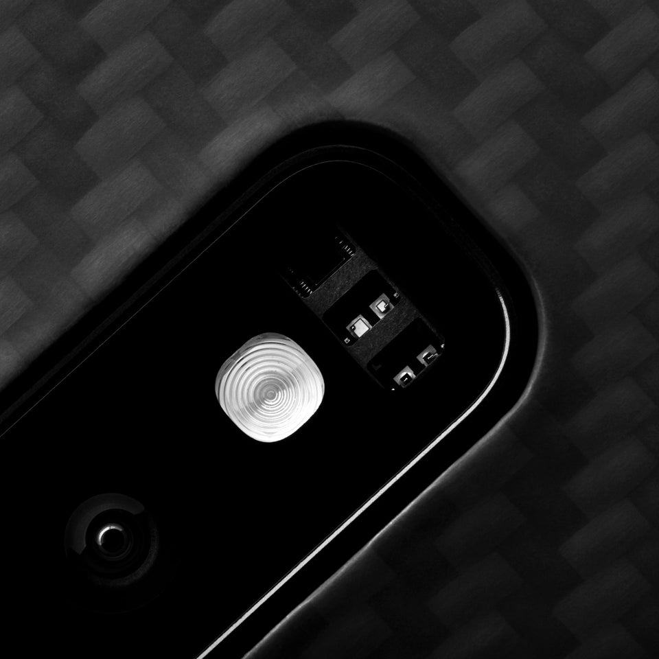 Galaxy S10+ Latercase - Close-up