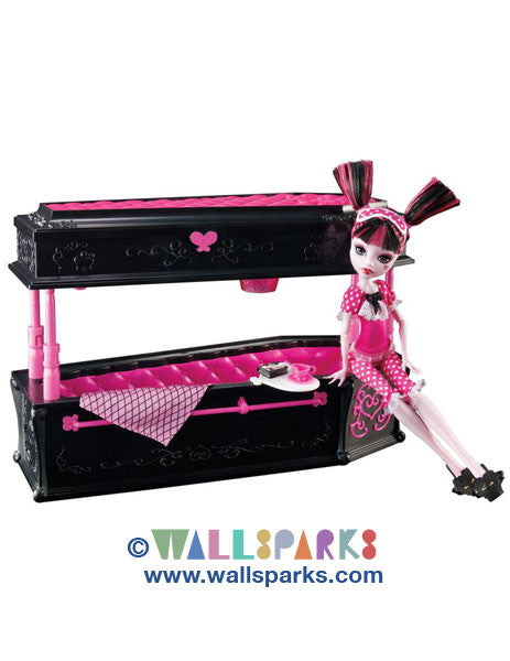 Monster High Draculaura Doll & Jewelry Box Coffin Set by Mattel