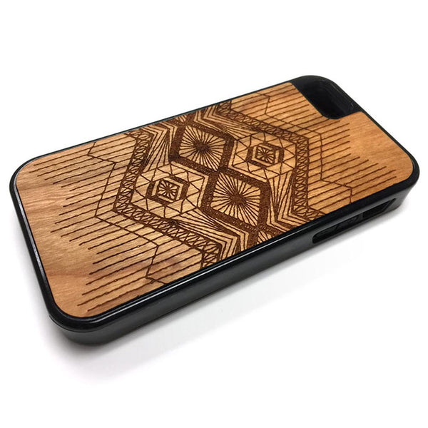 Macrame pattern 1 iPhone Case Carved Engraved design on Real Natural Wood - For iPhone 7/8, 6/6s, 6/6s Plus, SE, 5/5s, 5C, 4/4s