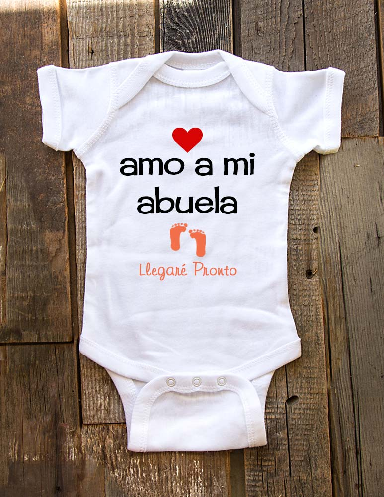 i love my grandma - Coming Soon - Spanish - amo a mi abuela Llegare Pronto - birth pregnancy announcement onesie - Baby One-Piece Bodysuit