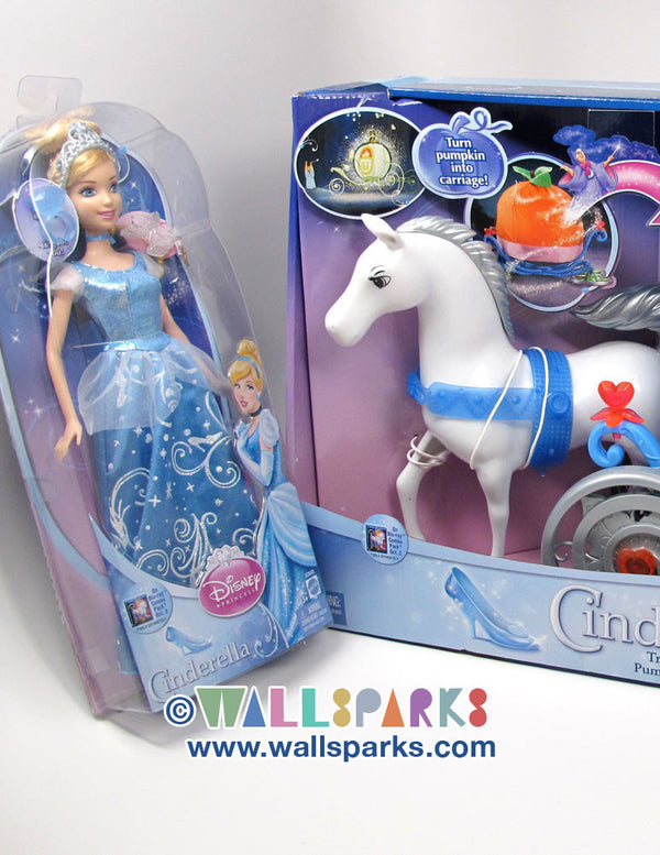 Disney Cinderella Transforming Pumpkin Carriage with Cinderella Doll