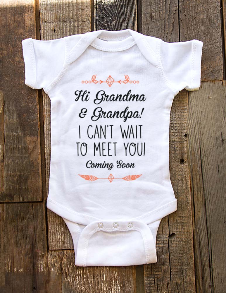 Hi Grandma & Grandpa! I can't wait to meet you - Coming Soon - baby onesie birth pregnancy announcement - Baby One-Piece Bodysuit, Infant