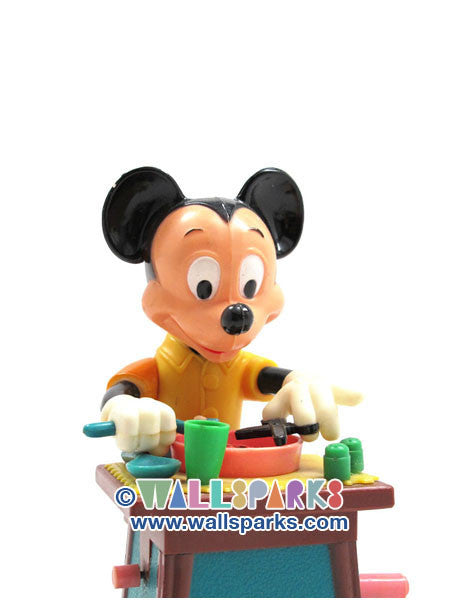 Walt Disney Mickey Mouse Eating Spaghetti Mechanical Wind Up Toy