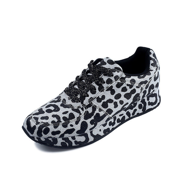 Sneakers Leopard Design