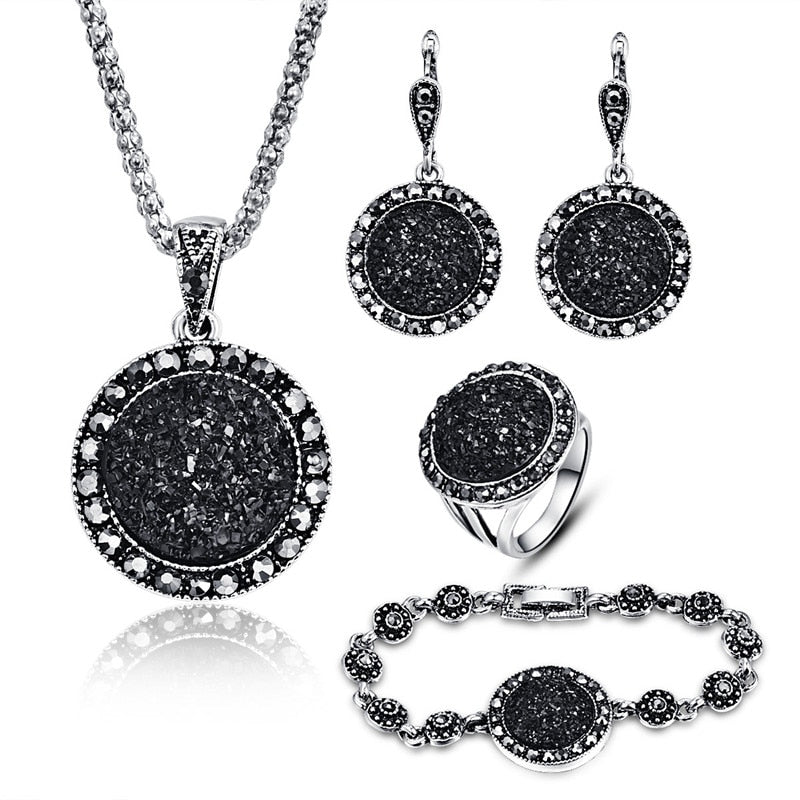 Vintage Black Crystal Round Stone Set