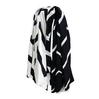 ZIG ZAG KNITTED THROW BLANKET