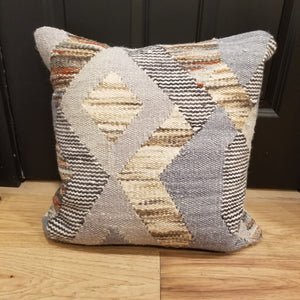 PATTERN PILLOW - DOWN FILLED