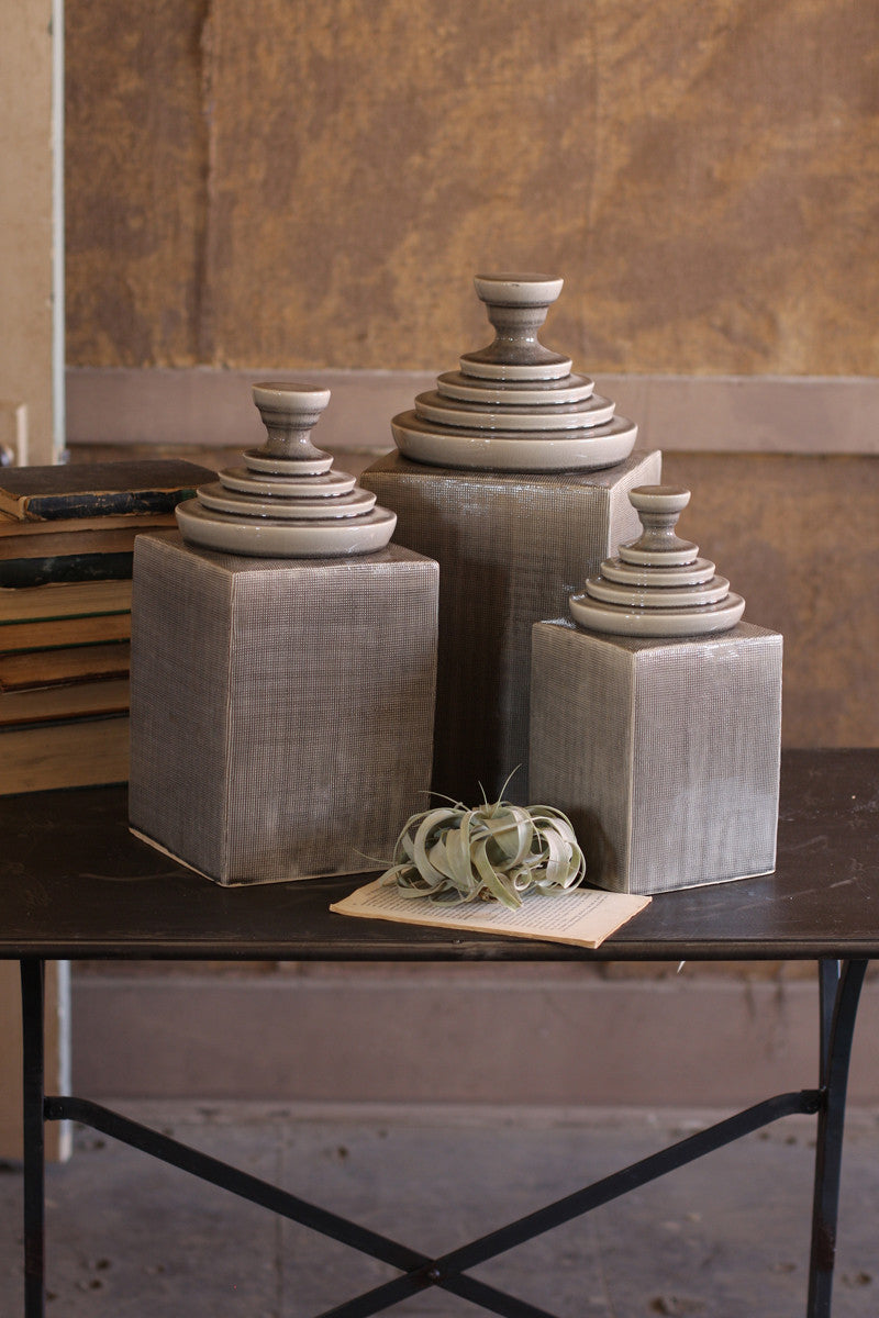 GREY TEXTURED CERAMIC CANISTER WITH PYRAMID TOP