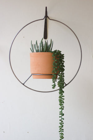 ROUND HANGING NATURAL CLAY PLANTER