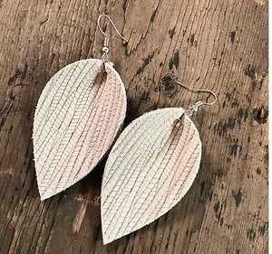 CREAM PALM LEAF TEXTURED LEATHER EARRINGS