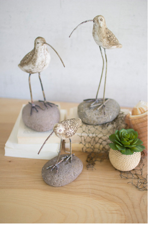 PAINTED CLAY SHORE BIRDS ON ROCK BASES