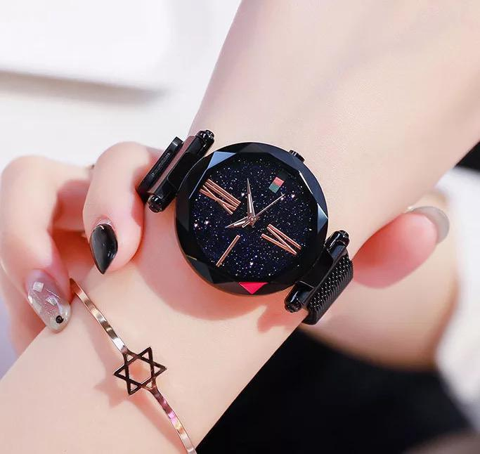 Luxury Women Watches Sky Dial Analog Quartz Watch