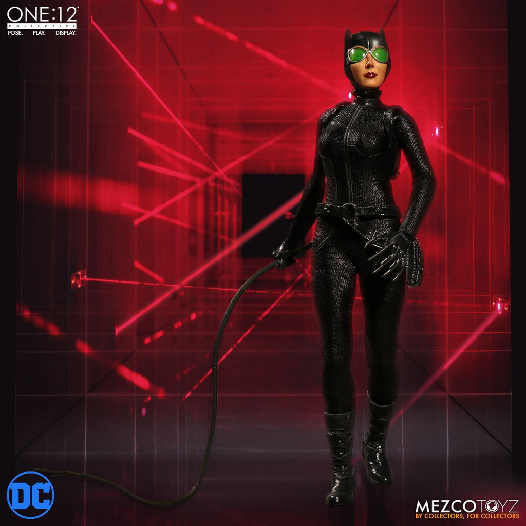 Catwoman One:12 Collective Action Figure MEZCO
