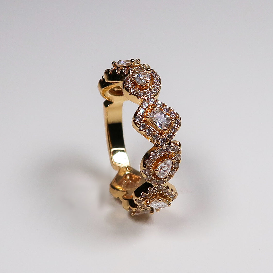 Izzy Square And Oval Ring - Gold
