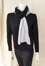 Load image into Gallery viewer, Cashmere Bicolor Scarf - BLACK/GRAY
