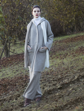 Load image into Gallery viewer, Cashmere Bicolor Scarf - SILVER/WHITE