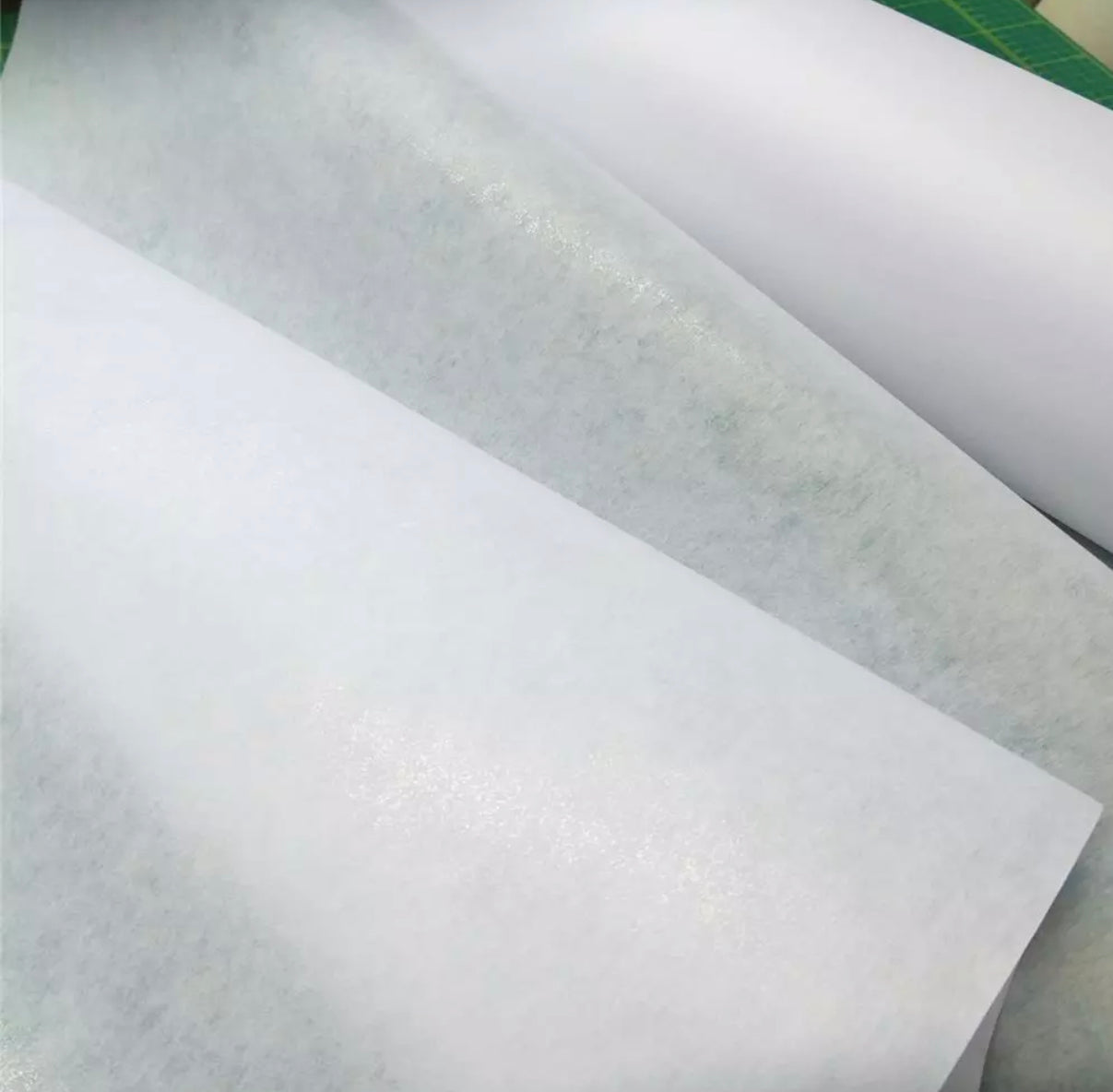 Vilene fusible interfacing: IRON ON in white
