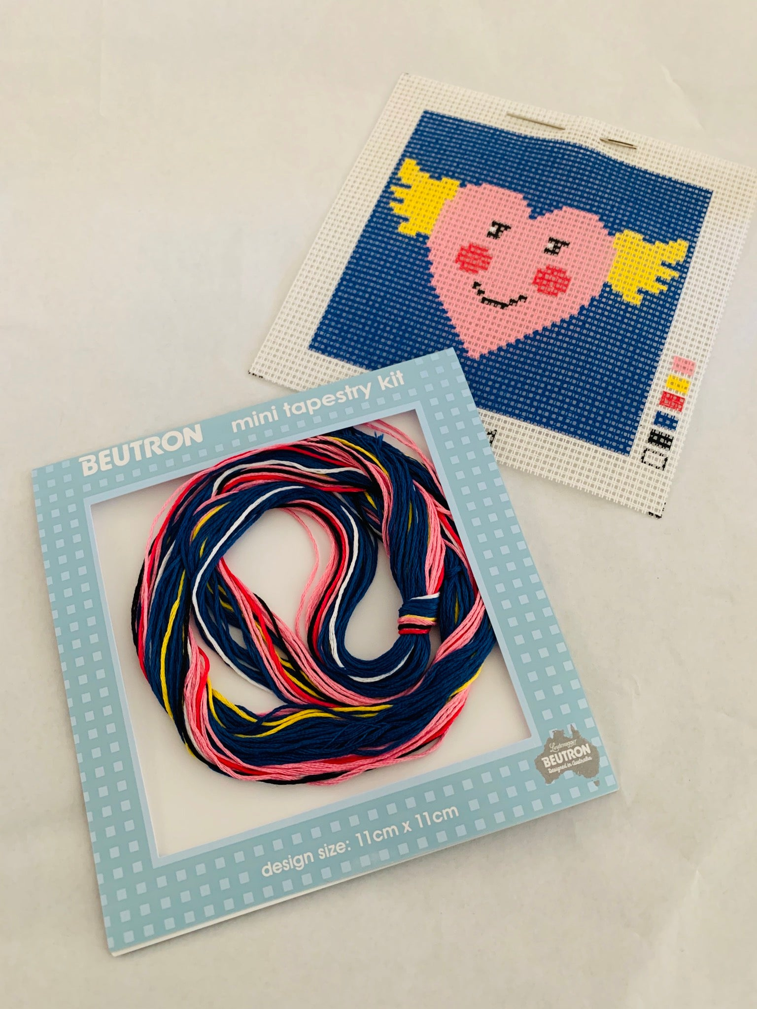Beutron Mini Tapestry Kit: Heart with Wings