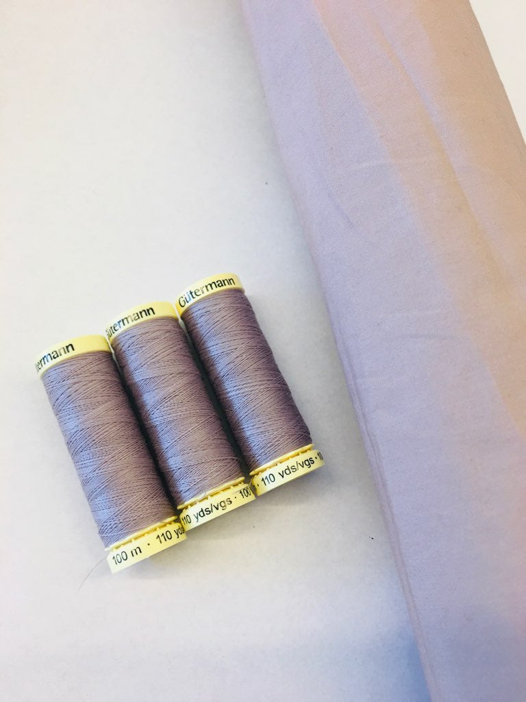 Gutermann 100m: Petal Polished cotton match