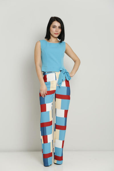 Sleeveless Top with checked pants