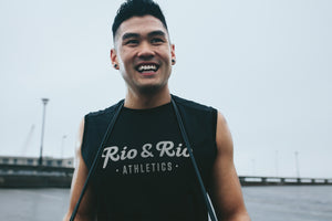 Rio & Rio Athletics offers free shipping on orders $40 or more. This guy is super stoked over that simple fact.