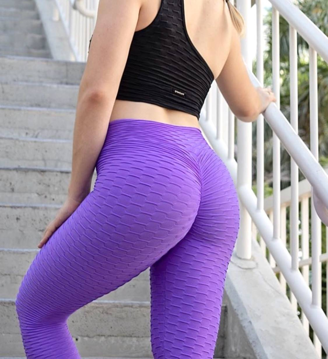 #1 Booty Lifting x Anti-Cellulite Leggings