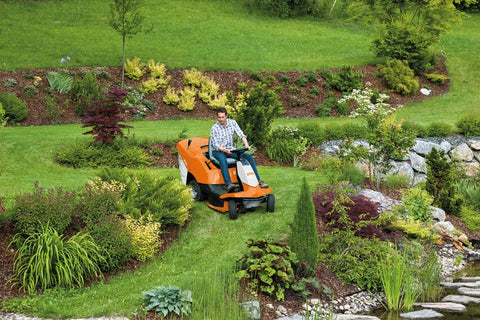 A man using the STIHL RT 4082 in his garden