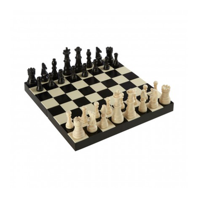 Texas Games Black/ White Chess Set