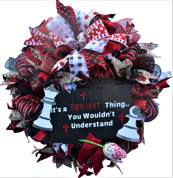 TWILIGHT SAGA Wreath 2019 Special Order 24 inch Red White Black Red Truck Apple Queen