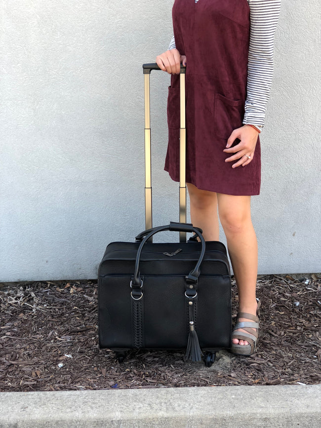 Fly Away Fishtail Roller Bag-Black