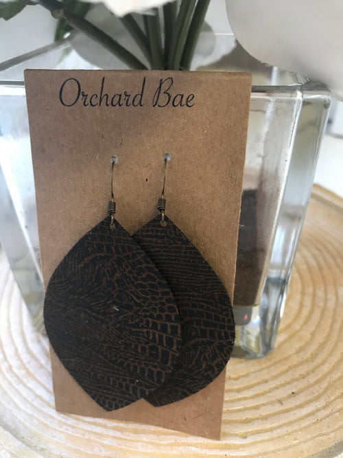 Orchard Bae Nikki leather earrinh