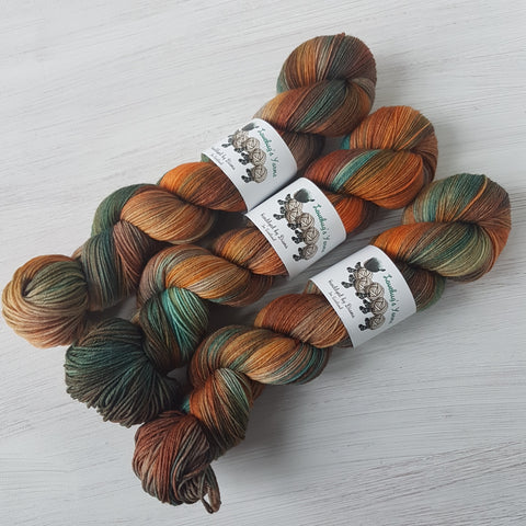 Autumn Dreams - Platinum Sock - Superwash Merino Nylon - Fingering weight yarn