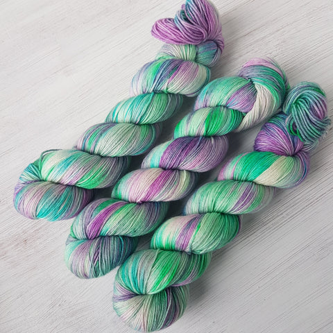 Unicorn Mane - Basic 4ply - Superwash Merino - Fingering weight yarn