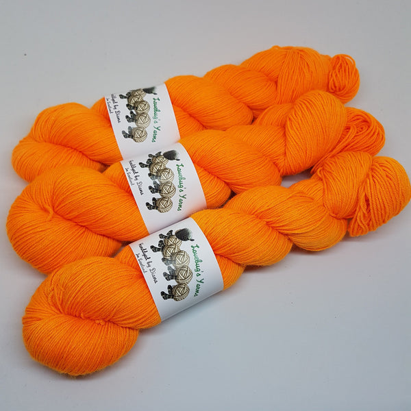 Sunset Drive - Platinum Sock - Superwash Merino Nylon - Fingering weight yarn