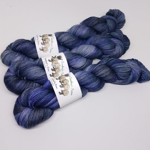 Colour of Storms - Platinum Sock - Superwash Merino Nylon - Fingering weight yarn