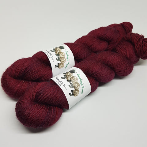 Garnet - Platinum Sock - Superwash Merino Nylon - Fingering weight yarn