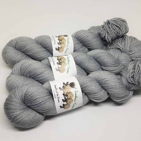 Steel - Platinum Sock - Superwash Merino Nylon - Fingering weight yarn
