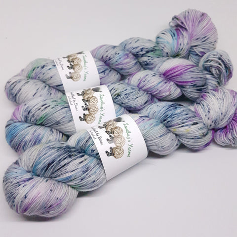 Graffiti - Platinum Sock - Superwash Merino Nylon - Fingering weight yarn