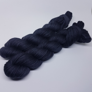 Night's Watch - Basic DK - Superwash Merino - DK weight yarn