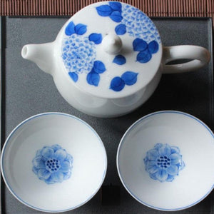 Blue-white-porcelain sake/teacup - floral pattern