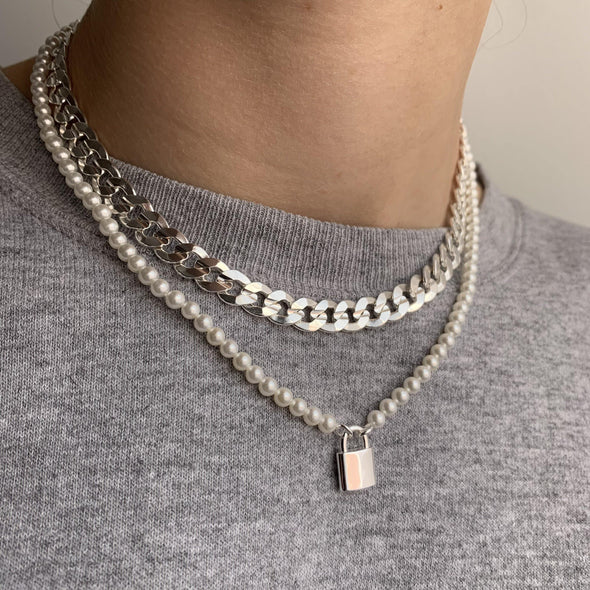 Secure the Pearls Necklace
