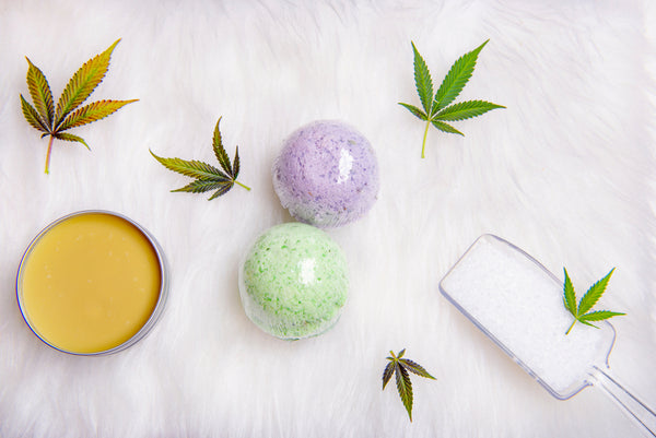 CBD bath bombs have a relaxing aroma, which is perfect after a stressful day.